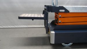 Standing platform for pipe rail trolley